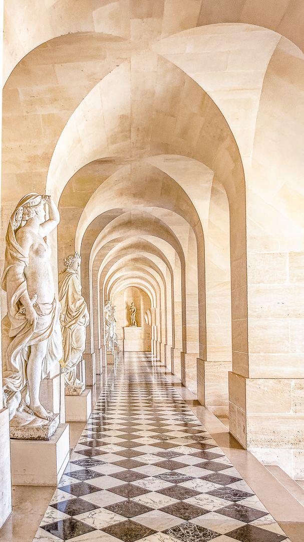 Brien Thomson – Corridor of Marble Statues – HM