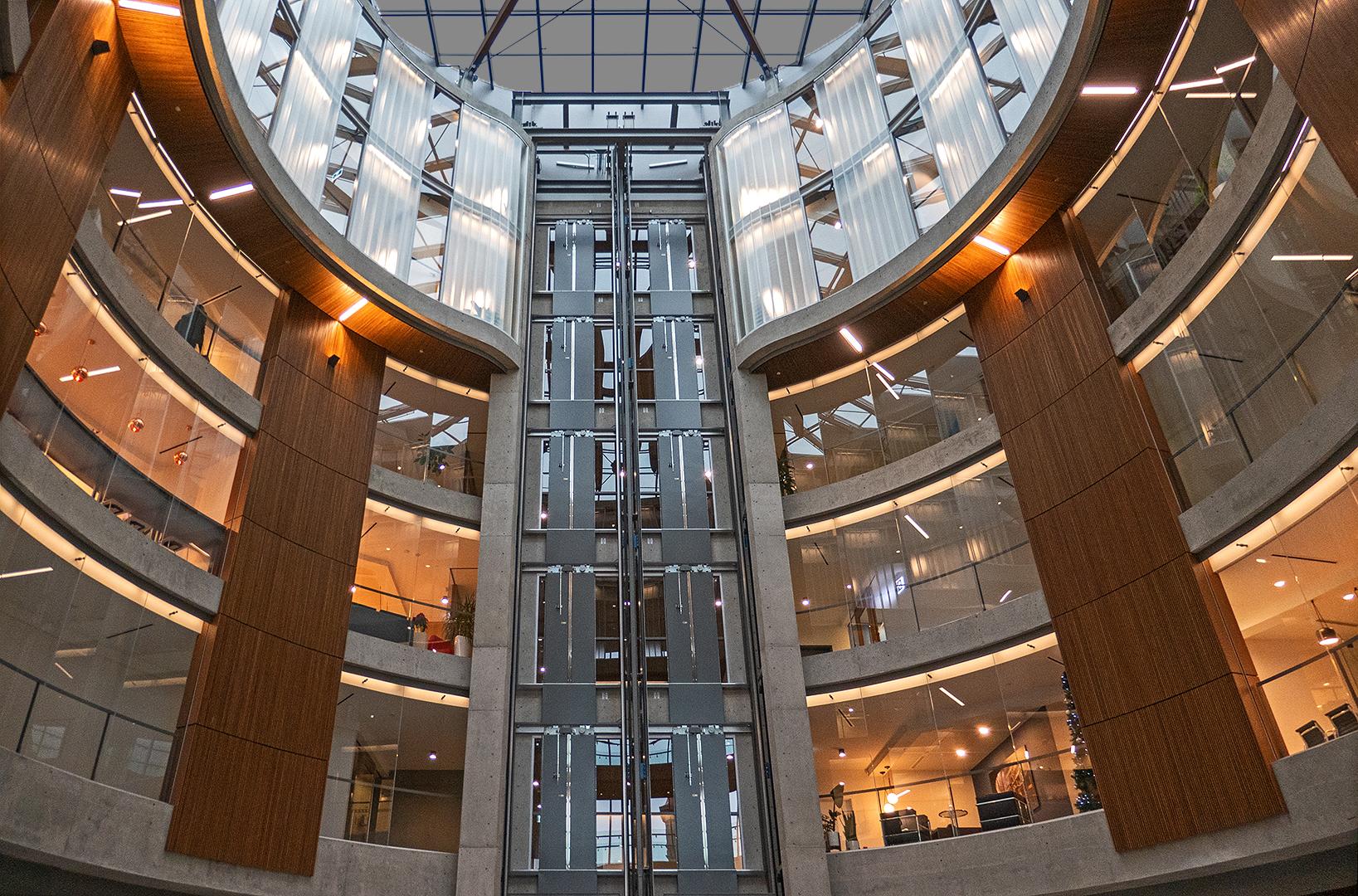 Barbara Kell – Elevator in Rotunda – HM